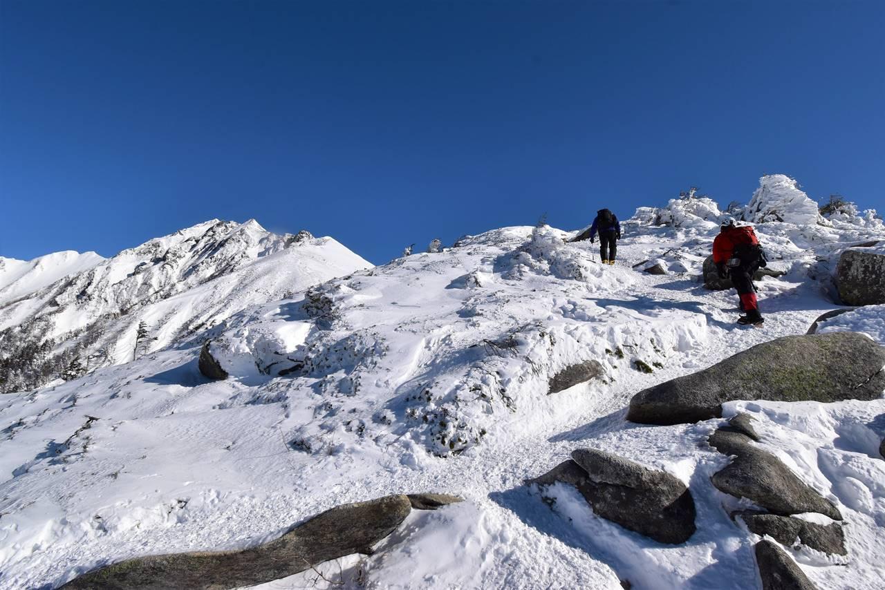 冬の西穂高岳 雪山登山