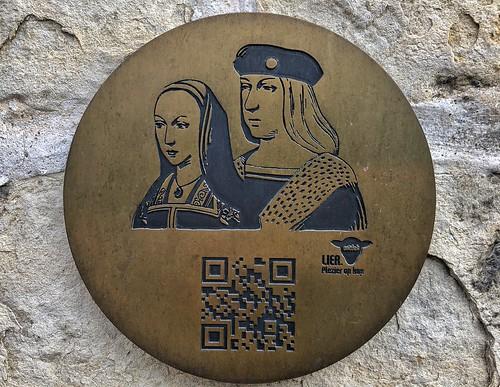Placa del paseo español de Lier con la efigie de Felipe el Hermoso y Juana la Loca