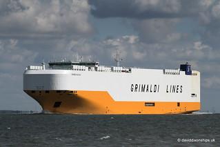 Grande Halifax 9784051