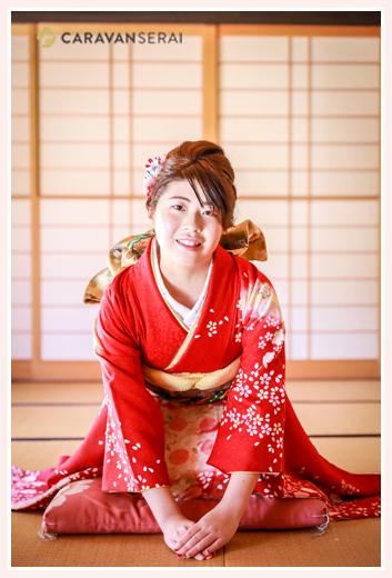 自宅で成人式の前撮り写真 出張撮影 赤い着物