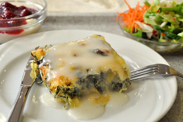 Vegetarisch: Kartoffel-Spinat-Auflauf ... Foto: Brigitte Stolle