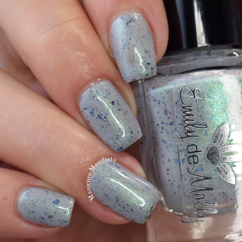 Emily De Molly Relaxed Fit swatch
