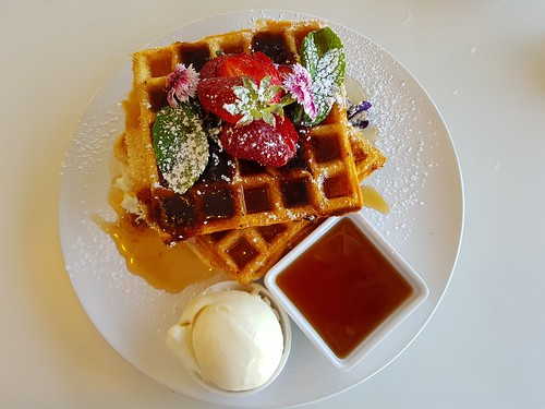 Strawberry Waffles at Ginger & Rose | by dimsimkitty