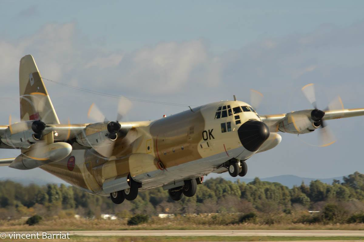 FRA: Photos d'avions de transport - Page 36 46168444372_a5359551d6_o