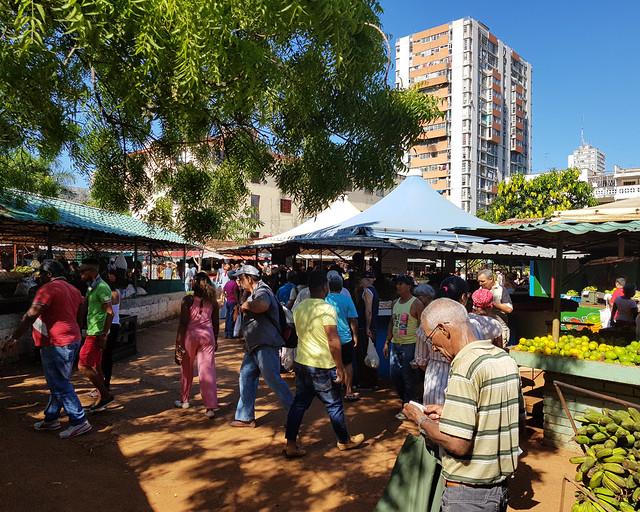 Mercados de frutas y verduras en Cuba