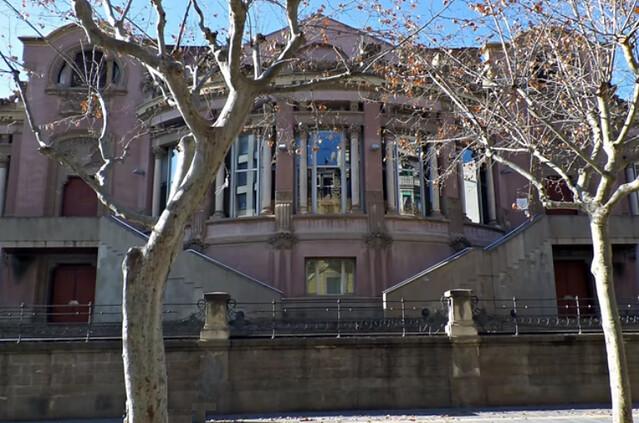 Casino-biblioteca de Manresa (Qué ver en Manresa, ruta modernista)