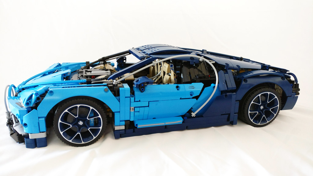 lego technic bugatti chiron (42083) | read more here: www.th… | flickr