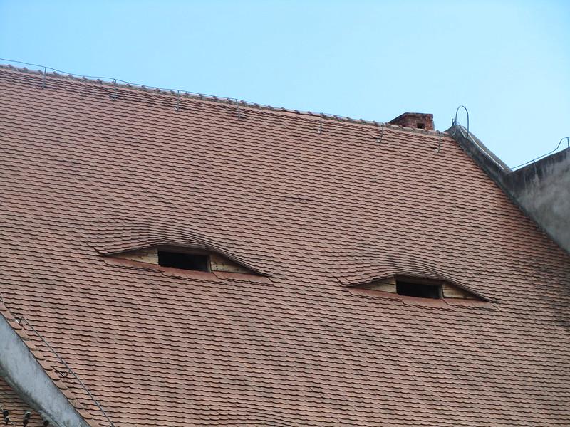 Ojos en las casas de Sibiu