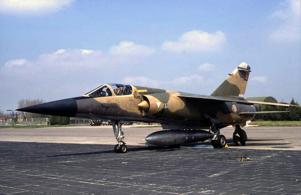 FRA: Photos Mirage F1 - Page 15 45304628325_f3a50b6018_o