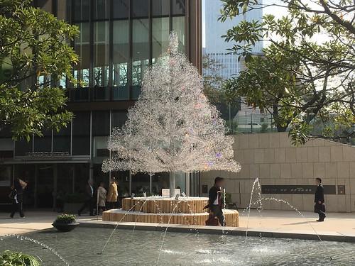 東京ガーデンテラス紀尾井町の昼のクリスマスツリー2018