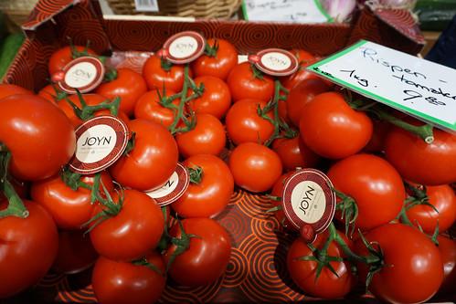 markthalle innsbruck tomatoes