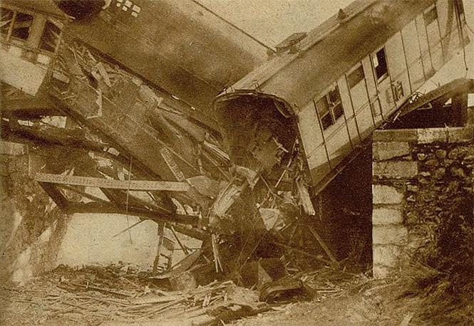 España 1933: cuando la ultraizquierda descarriló tres trenes tras una victoria electoral derechista 31330224497_24c2f456ae_b