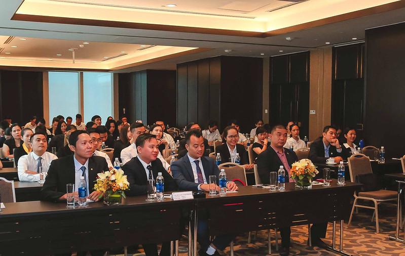 lễ ký kết hợp tác phân phối Movenpick Phú Quốc