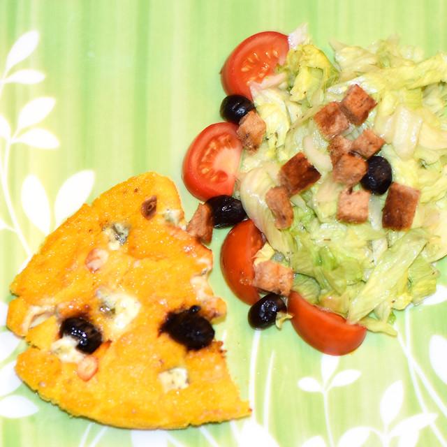 Polenta Gorgonzola mit schwarzen Oliven und getrockneten Tomaten ... Fotos: Brigitte Stolle
