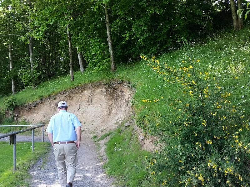 oppidum cut away