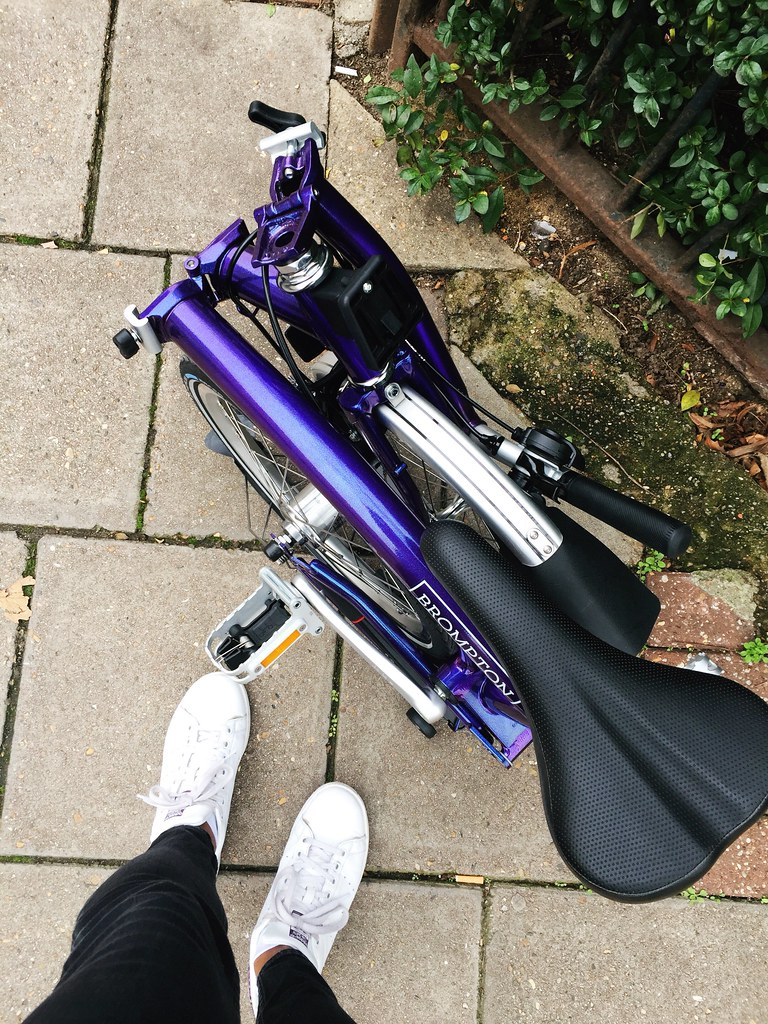 ladyvelo_jools_walker_brompton_bicycle_commute