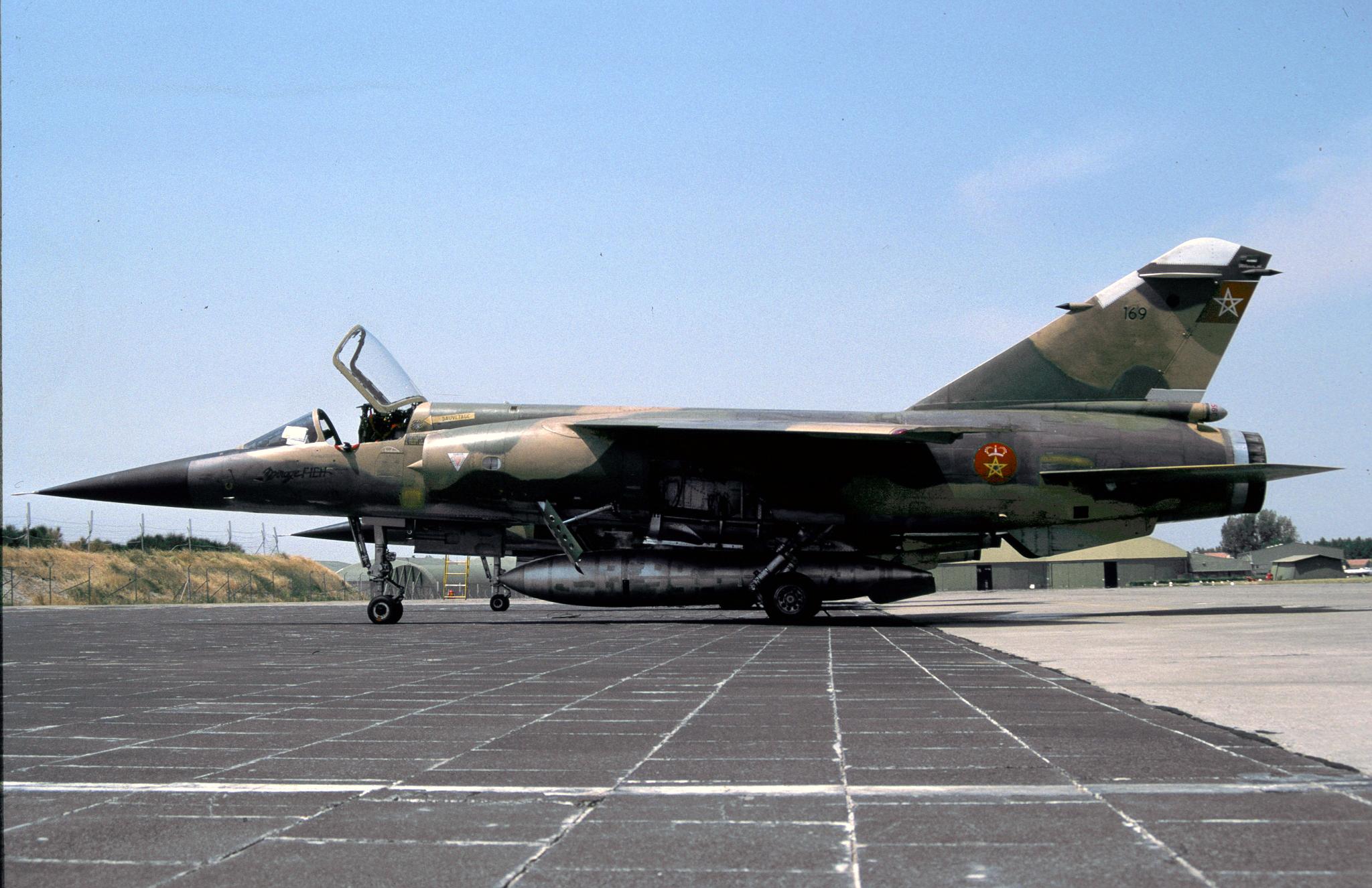 FRA: Photos Mirage F1 - Page 15 45653251244_a97b2fe62a_o