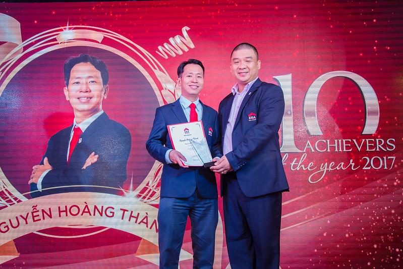 Top 10 Achievers year 2017 Nguyễn Hoàng Thành