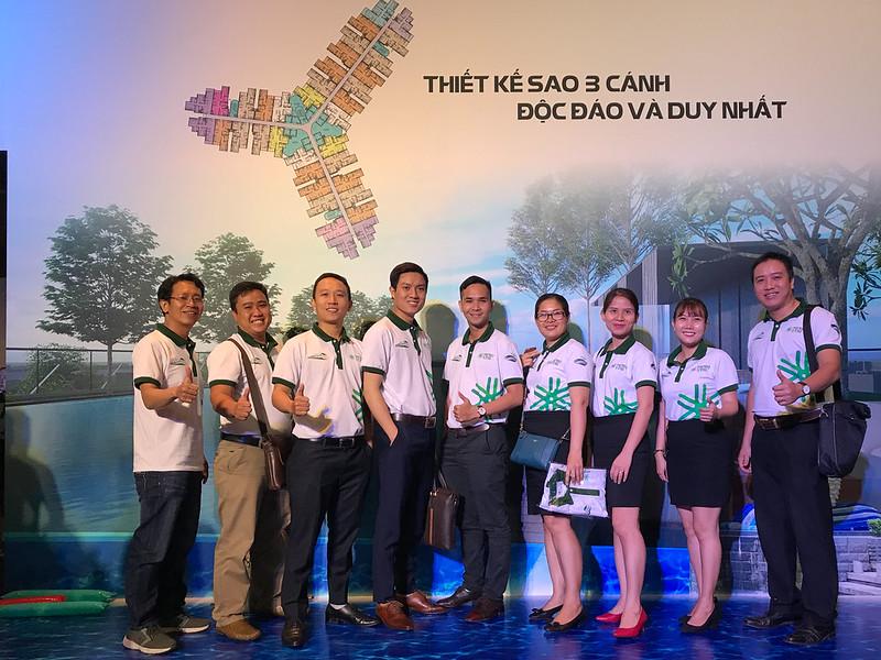 Nhóm Era Vietnam tham dự lễ ra quân dự án Metro Star