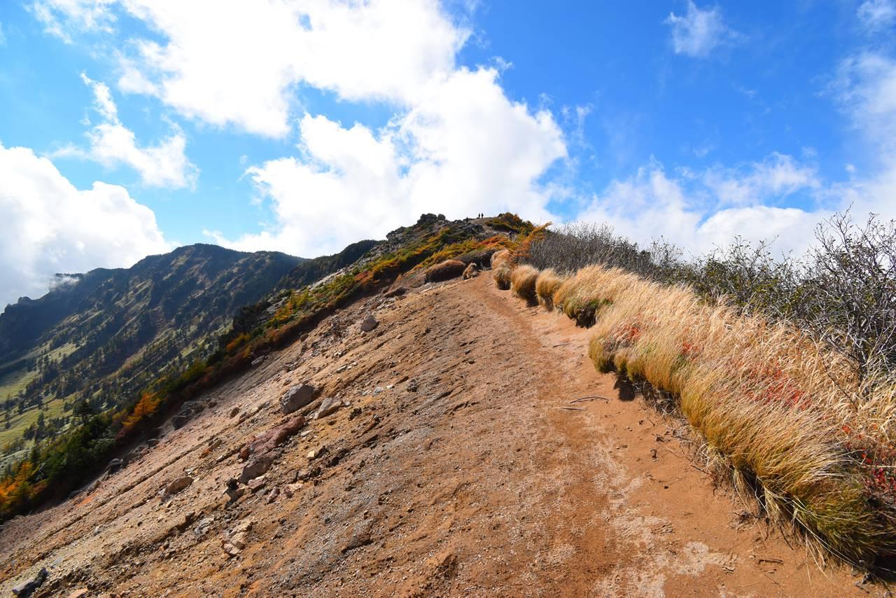 浅間山紅葉登山 外輪山の稜線