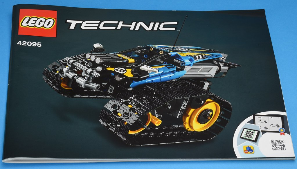 LEGO Technic 42095 Remote-Controlled Stunt Racer review | Brickset