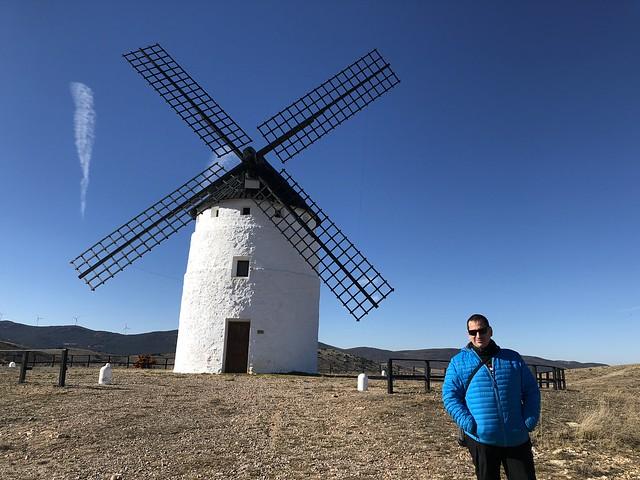 Sele en el molino de viento de Ojos Negros en la comarca del Jiloca (Tierras del Jiloca y Gallocanta)
