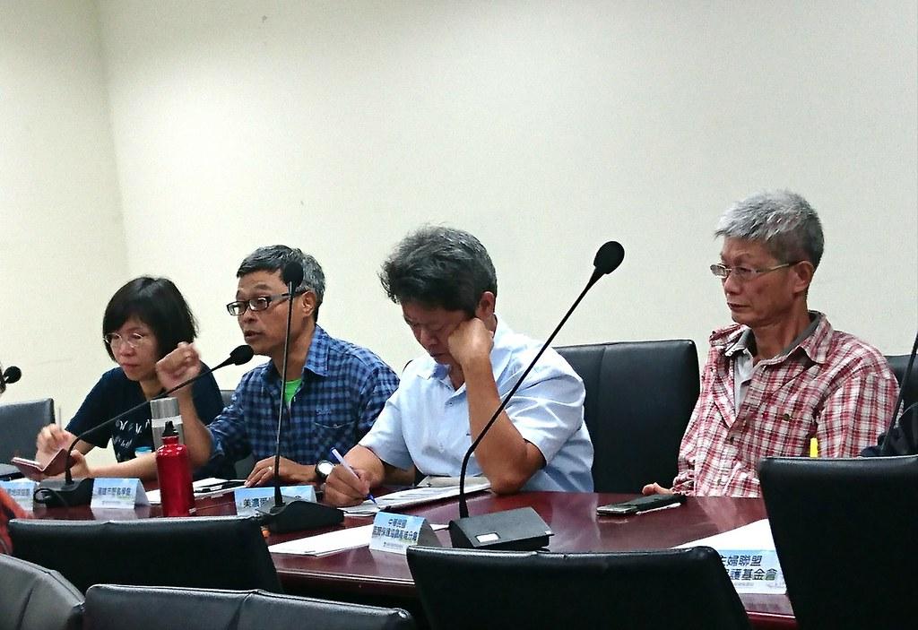 林昆海要求高市府全盤考量空污減量和濕地碳匯的功能。攝影:李育琴