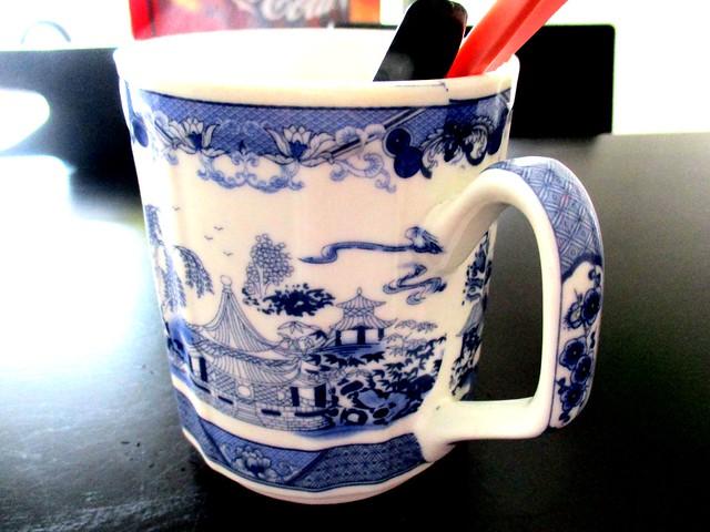 Willow ceramic mug