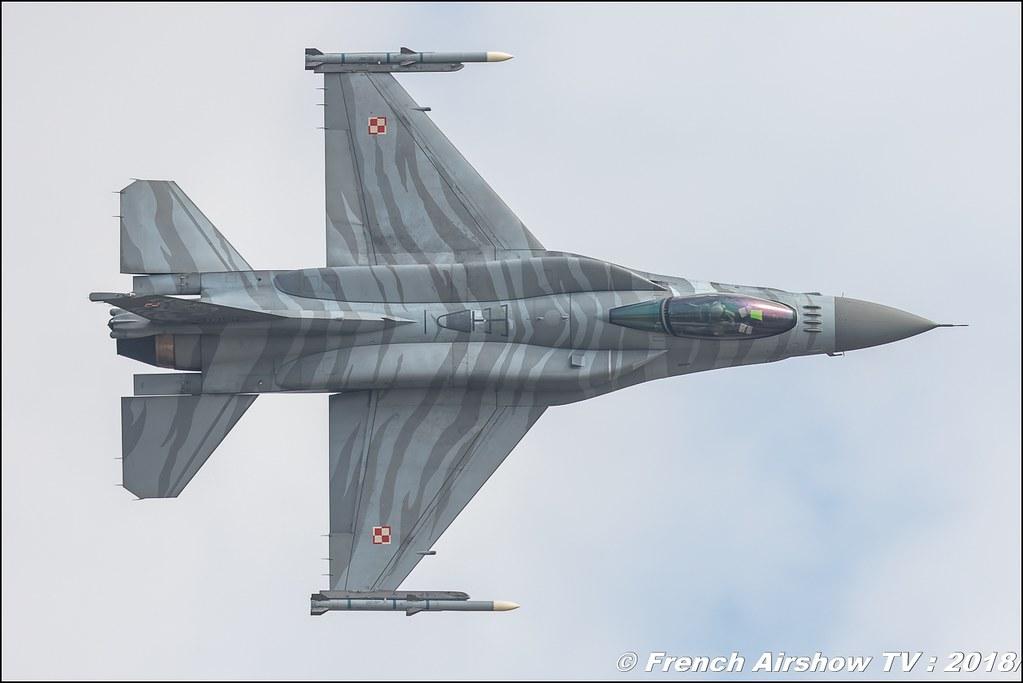 F-16 Tiger Demo Team Poland Polish air force RIAT 2018 - Royal International Air Tattoo RAF Fairford Royaume-Uni Canon Sigma France contemporary lens Meeting Aerien 2018