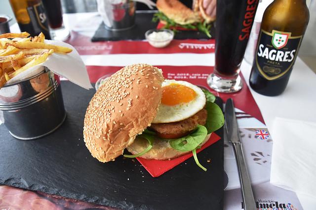 Alheira burger, Culto Cafe, Palmela, Portugal