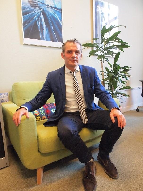 接受採訪的荷蘭綠色左派國會議員范德里