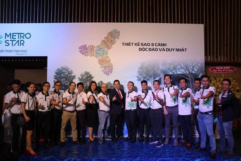 Nhóm Era Vietnam tham dự lễ ra quân dự án Metro Star 2
