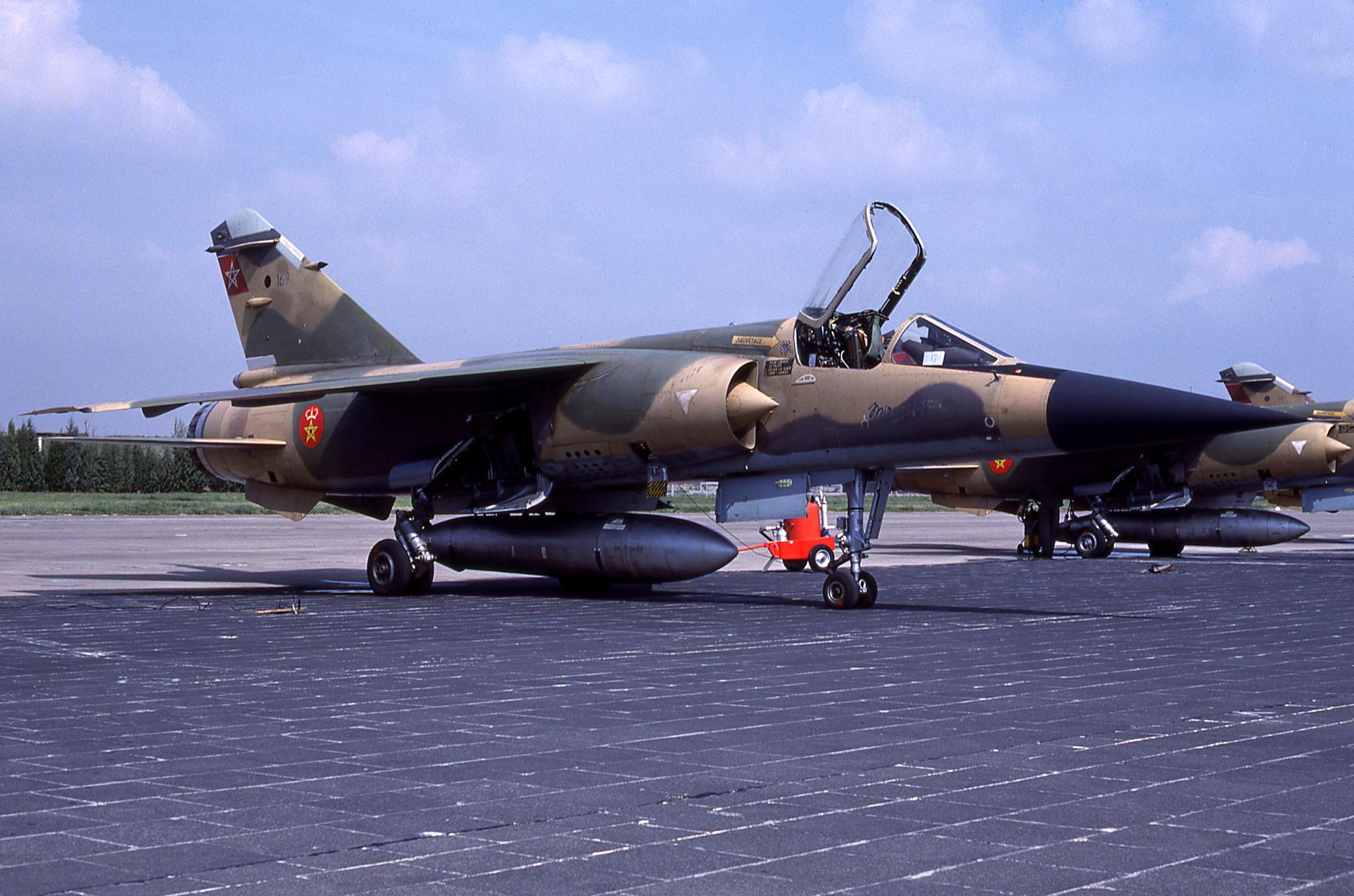 FRA: Photos Mirage F1 - Page 15 45428707284_6f6dd7ba3d_o