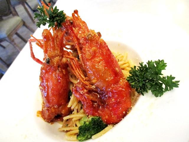 Ladoree king prawn aglio-olio spaghetti