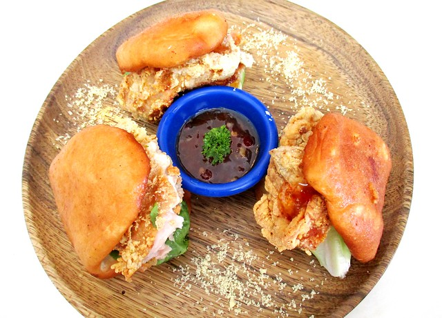LaDoree chicken buns 1