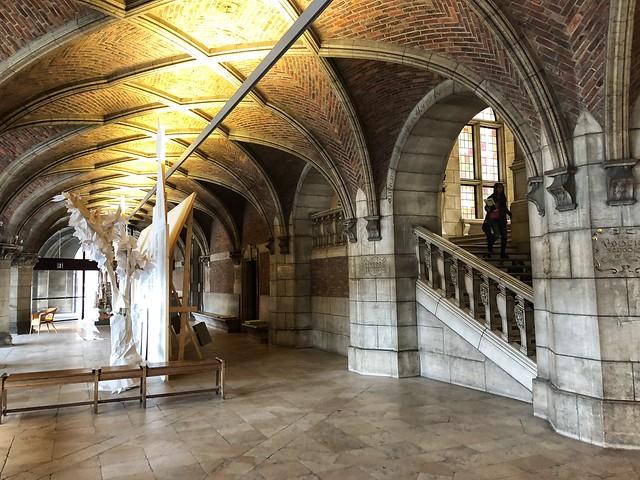 Interior de la biblioteca universitaria de Lovaina (Flandes)