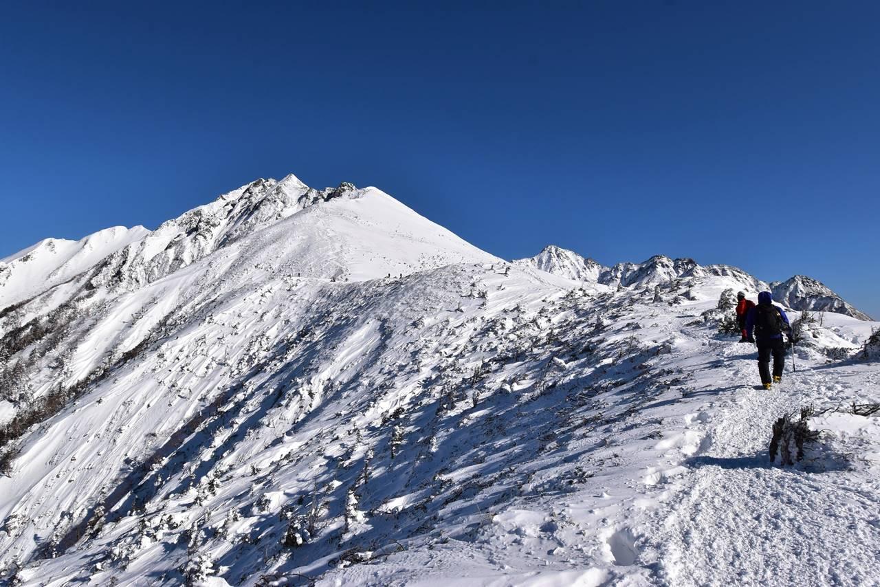 冬の西穂高岳稜線