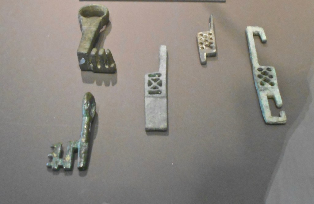 Spanish Roman Lock And Key Mechanisms I Have No Idea How T Flickr