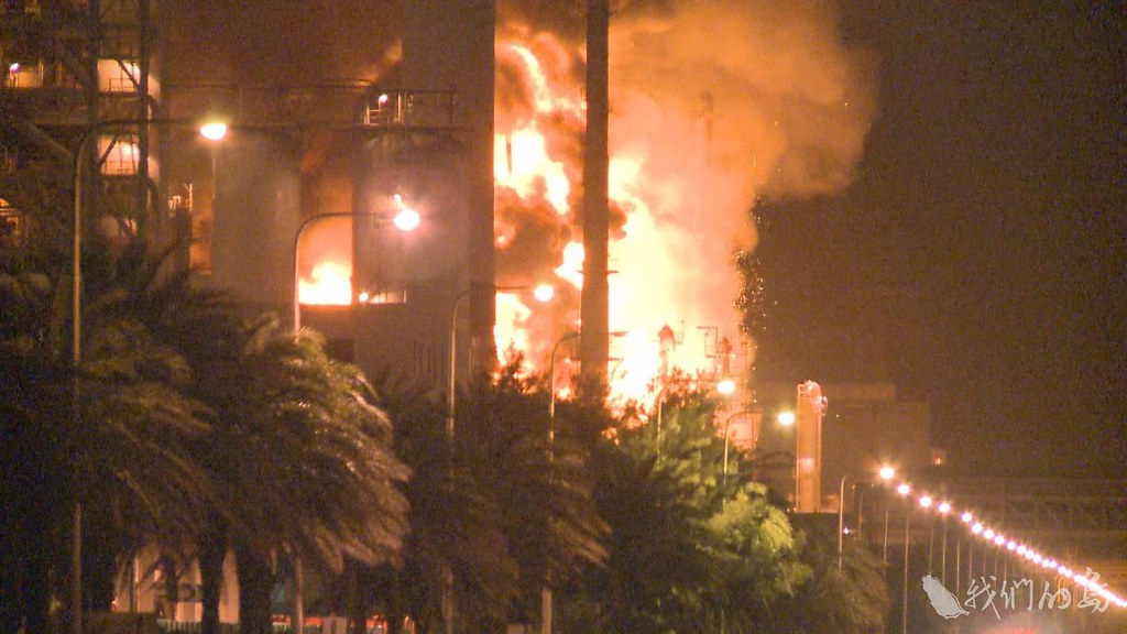 2011年六輕大火,讓詹長權注意到,六輕廠內的氯乙烯外洩,可能對周遭居民的健康產生影響。
