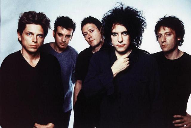"Un día como hoy The Cure toca ""Burn"" por primera vez en vivo"