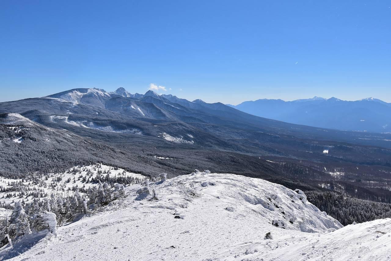 北横岳から眺める南八ヶ岳と南アルプス