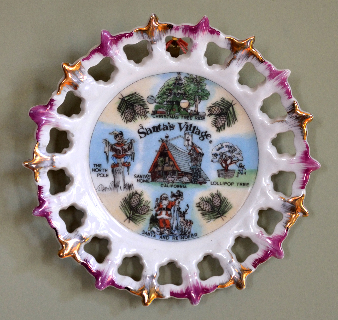 Santa's Village collector's plate - Skyforest, California U.S.A. - ca. 1960's