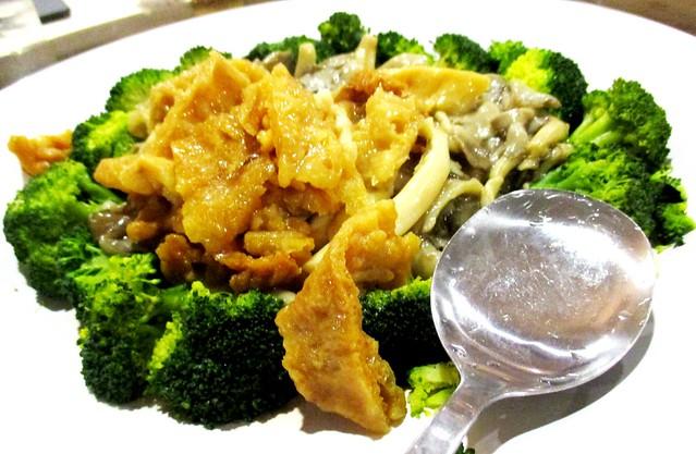Broccoli fish maw mushroom