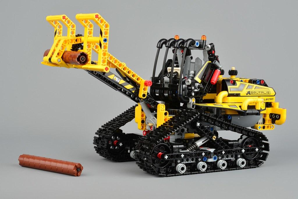 LEGO Technic 42094 Tracked Loader review | Brickset: LEGO