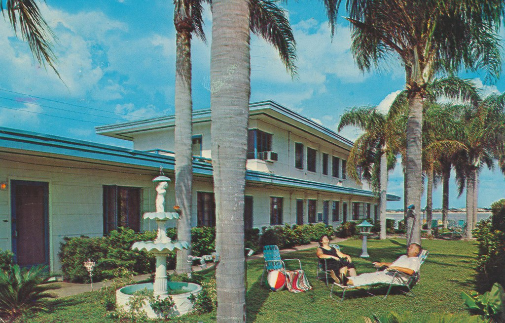 Dolphin Motel Apartments - Clearwater Beach, Florida