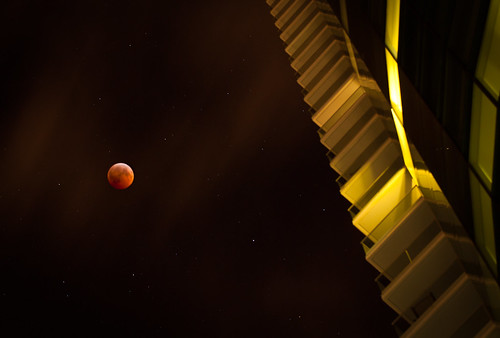 My view of the Lunar Eclipse December 2010 | by Lisa Bettany {Mostly Lisa}