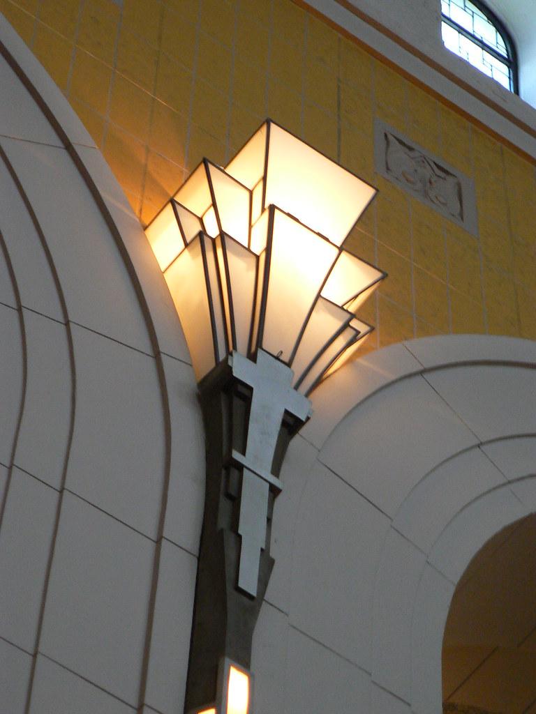 Esprit Art Deco Com Église st-esprit, rosemont   lighting, Église st-esprit, ros