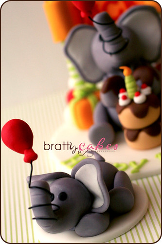 Elephant Cupcake Topper | by Natty-Cakes (Natalie)