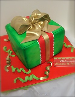 xmas gift cake | by debbiedoescakes