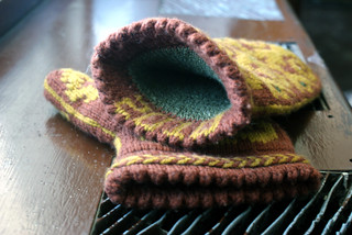 Ron's Flocked Mittens: Fini! | by thriftyknitter
